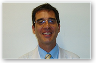 Descrição: http://cirurgiadamao2.tempsite.ws/Images/imagens_servicos_credenciados/santa_casa/006-Prof.-Dr.-Antonio-Carlos-da-Costa.png