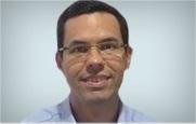 Descrição: http://cirurgiadamao2.tempsite.ws/Images/imagens_servicos_credenciados/sos_mao_recife/10-Dr.-Fernando-Barroca.png