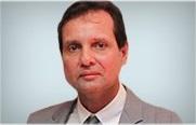 Descrição: http://cirurgiadamao2.tempsite.ws/Images/imagens_servicos_credenciados/sos_mao_recife/03-Dr.-Mauri-Cortez.png
